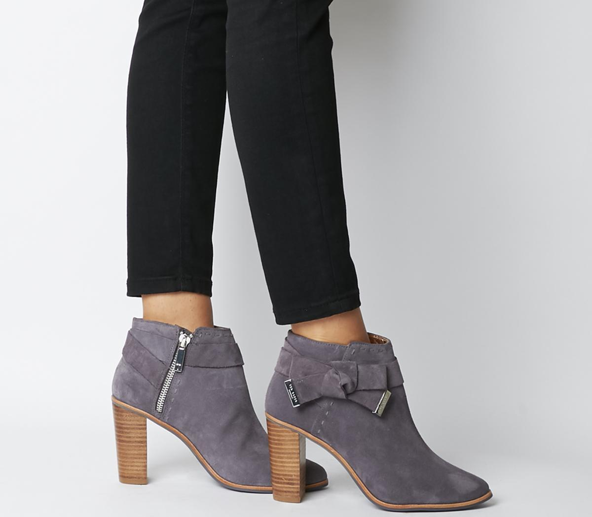 TED BAKER Anaedi bow detail suede ankle boots的圖片搜尋結果