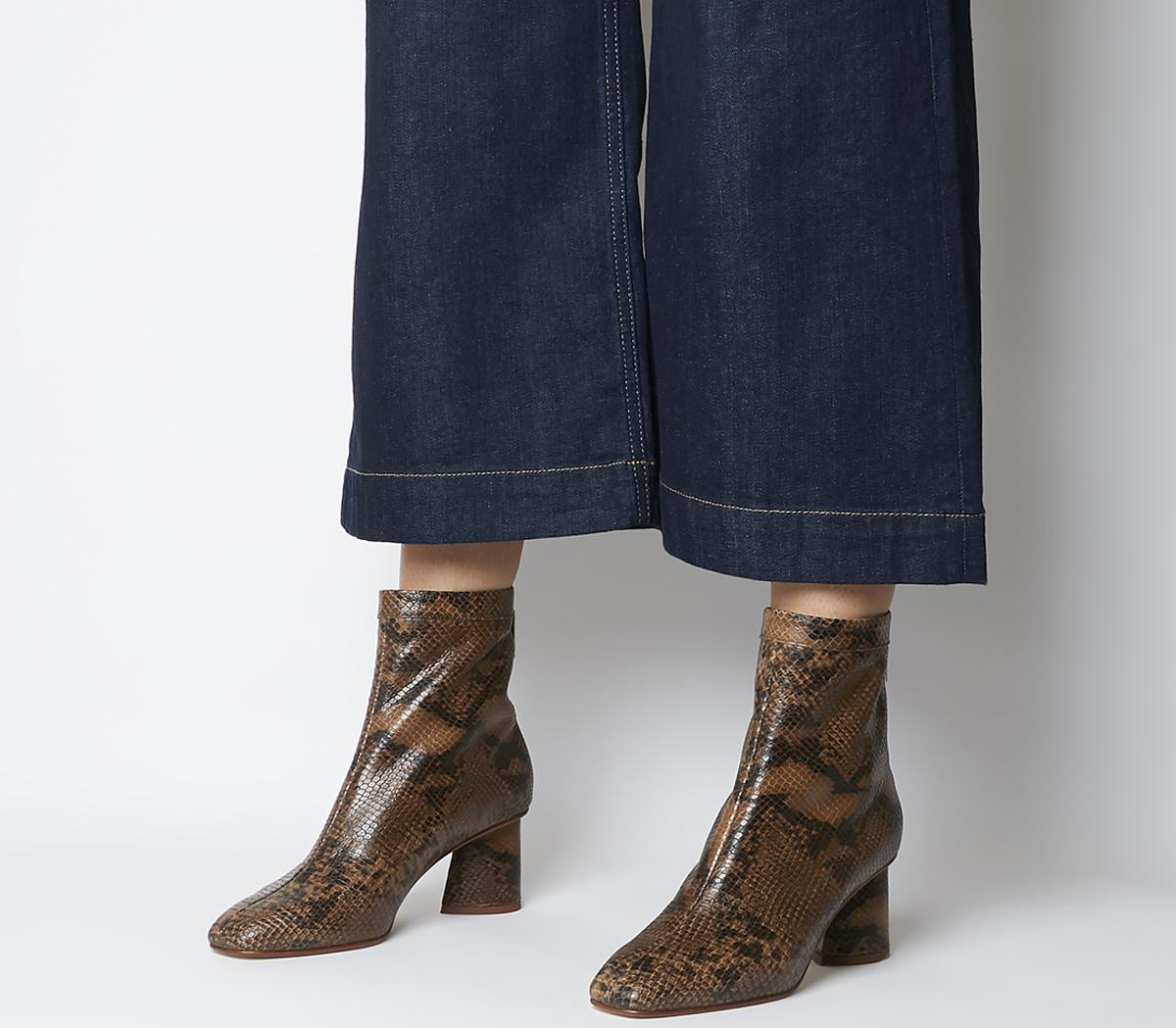 Afternoon Feature Mid Heel Boots