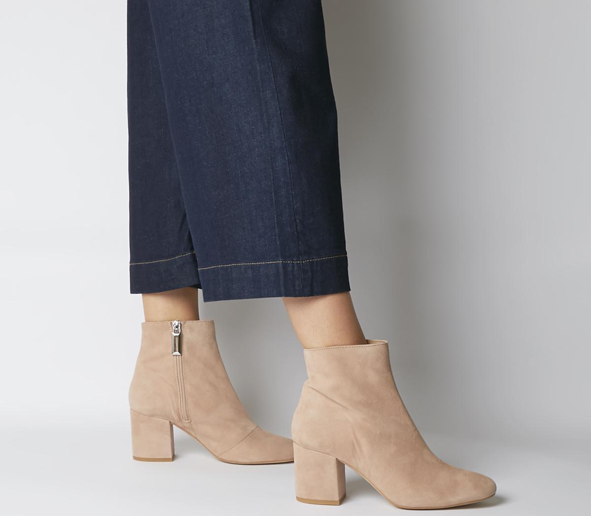 Amoretti Black Heel Boots
