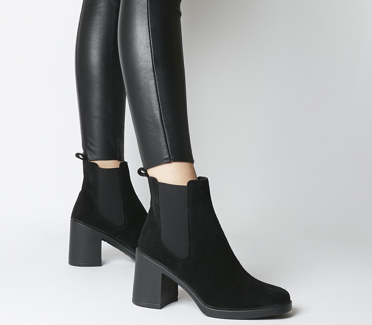 Asparagus Block Heel Chelsea Boots