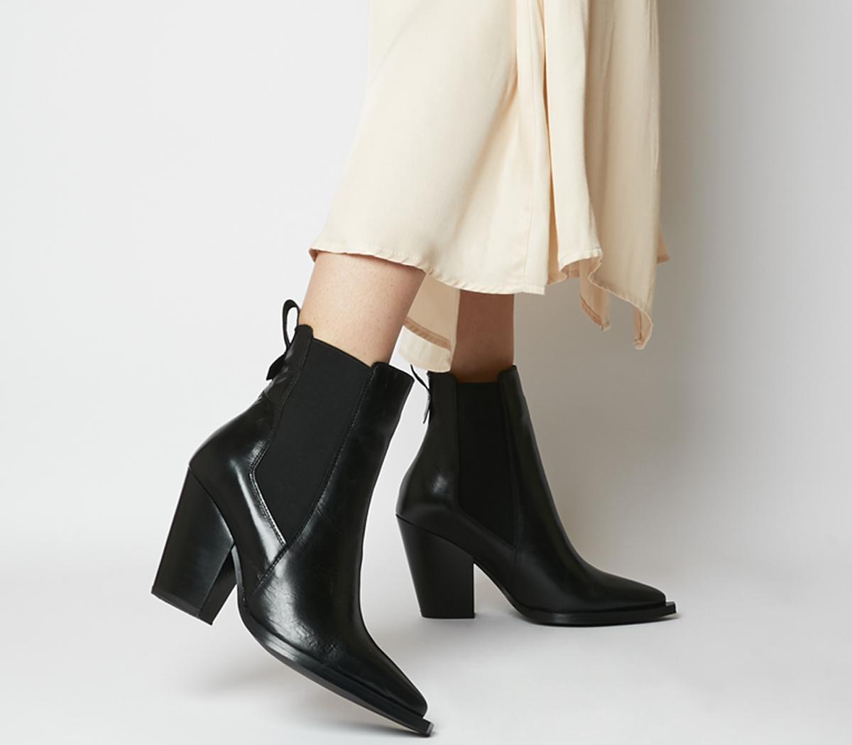 Avelyn Western Chelsea Boots