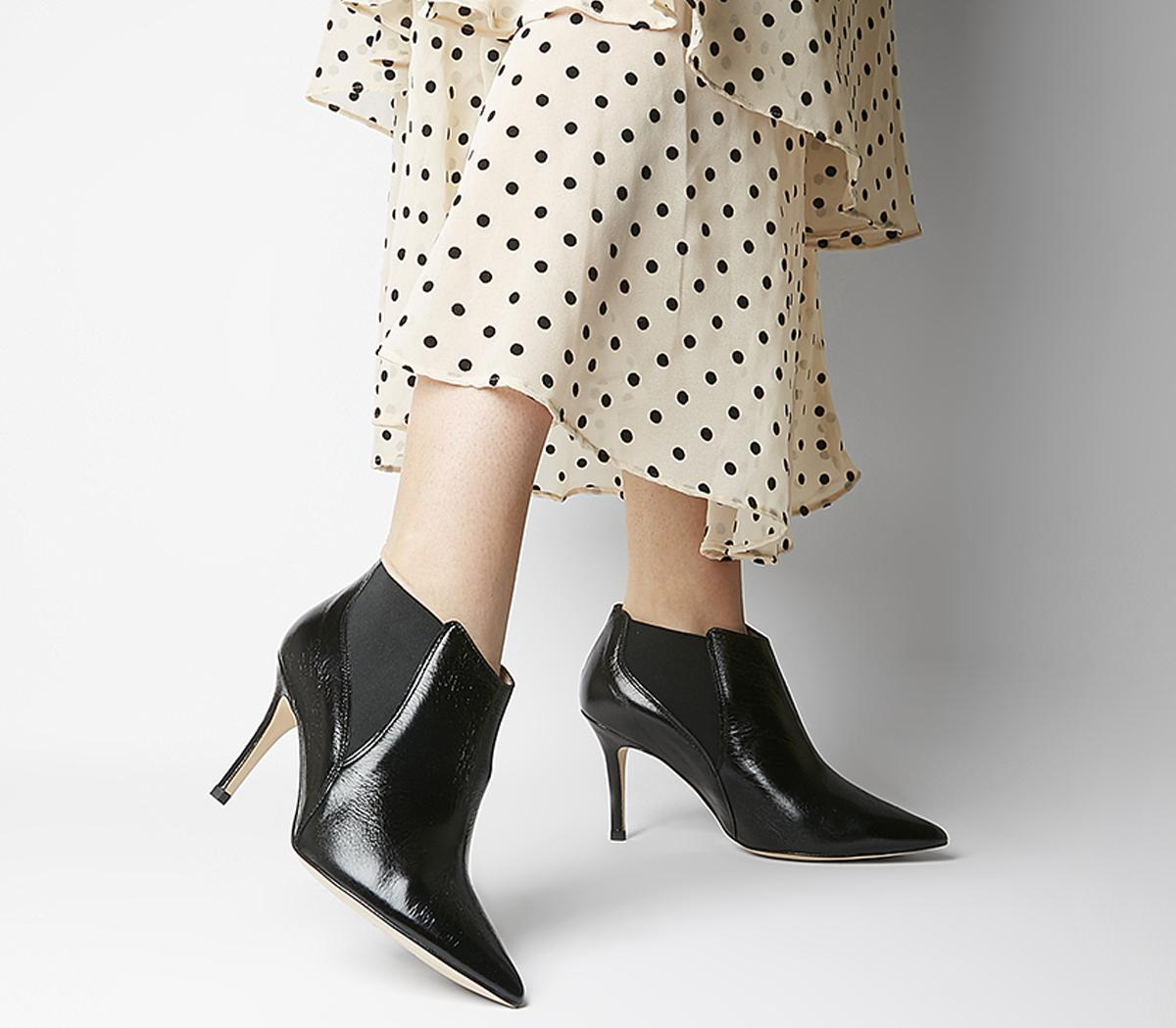 Maxwell Pointed Chelsea Boots