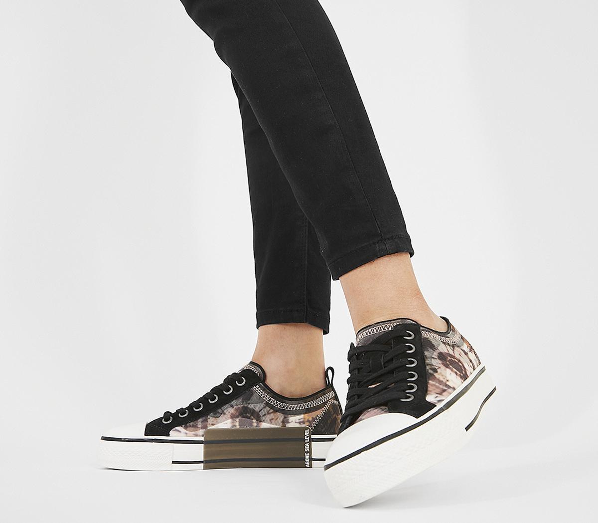 Vertu Sneaker