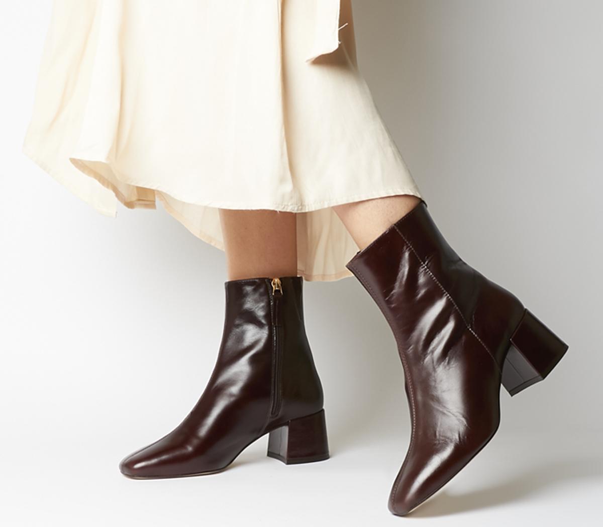 Aloof Smart Boots
