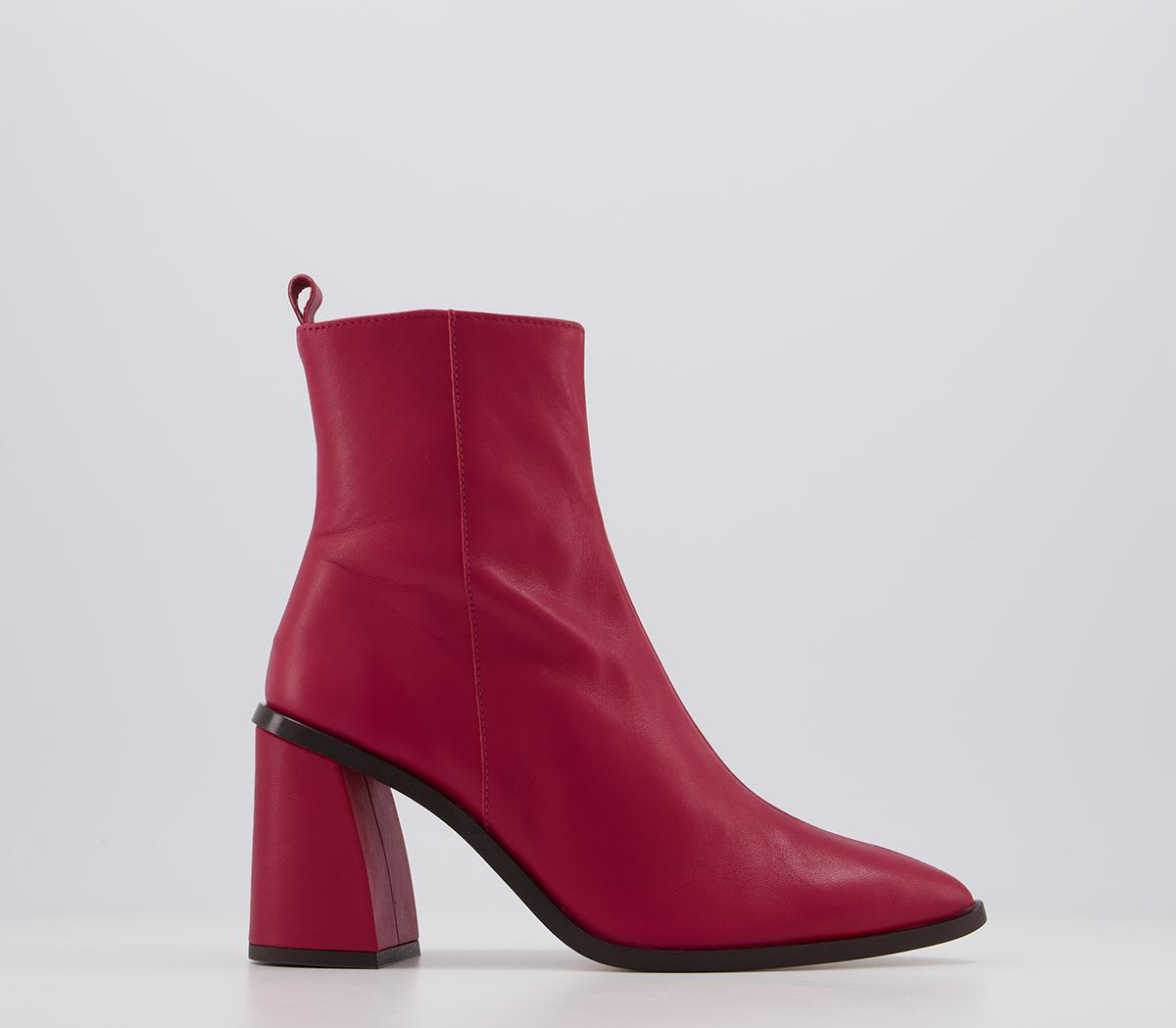 Attraction Smart Boots