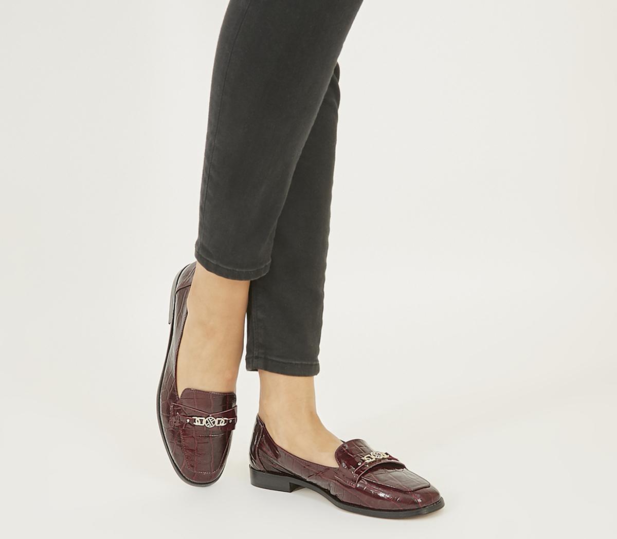 Fare Square Toe Slippers