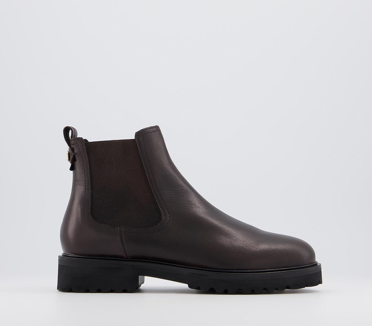 Artful Feminine Chelsea Boots