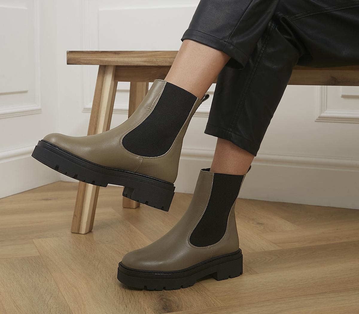 Accuse Chunky Chelsea Boots