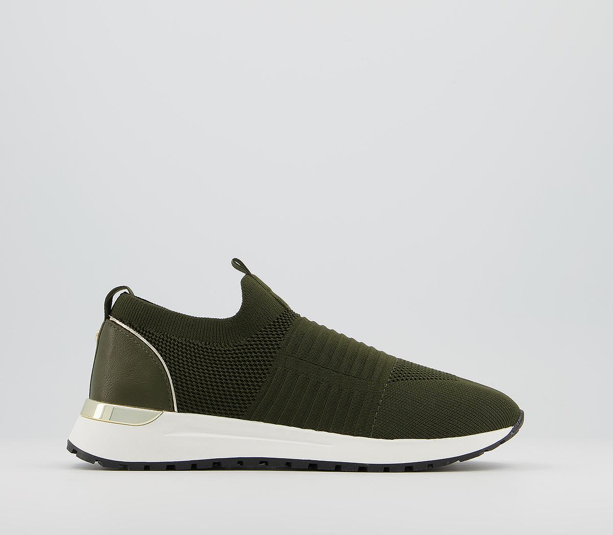 Finely Knitted Slip On Runners
