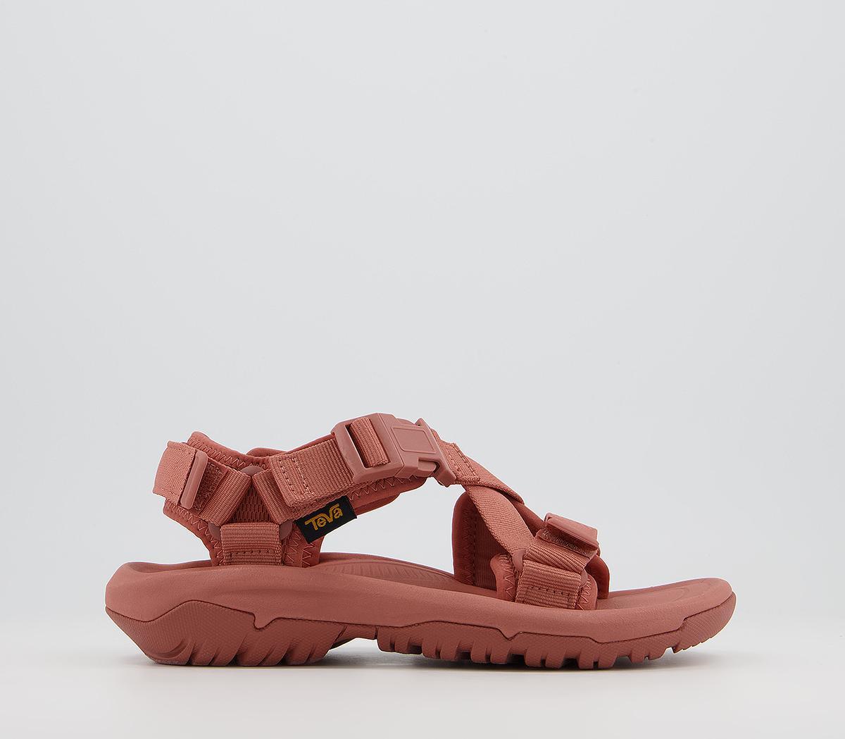 Hurricane Verge Sandals
