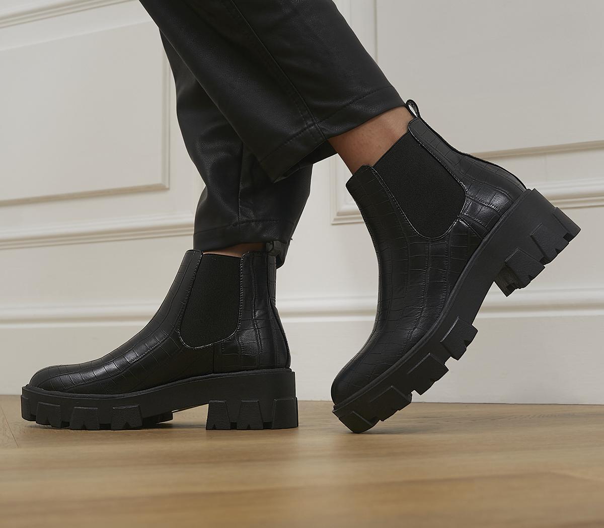 Liza Chelsea Boots