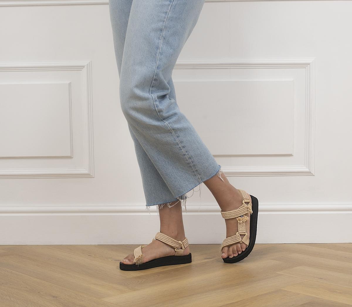 Trekky Raffia Sandals