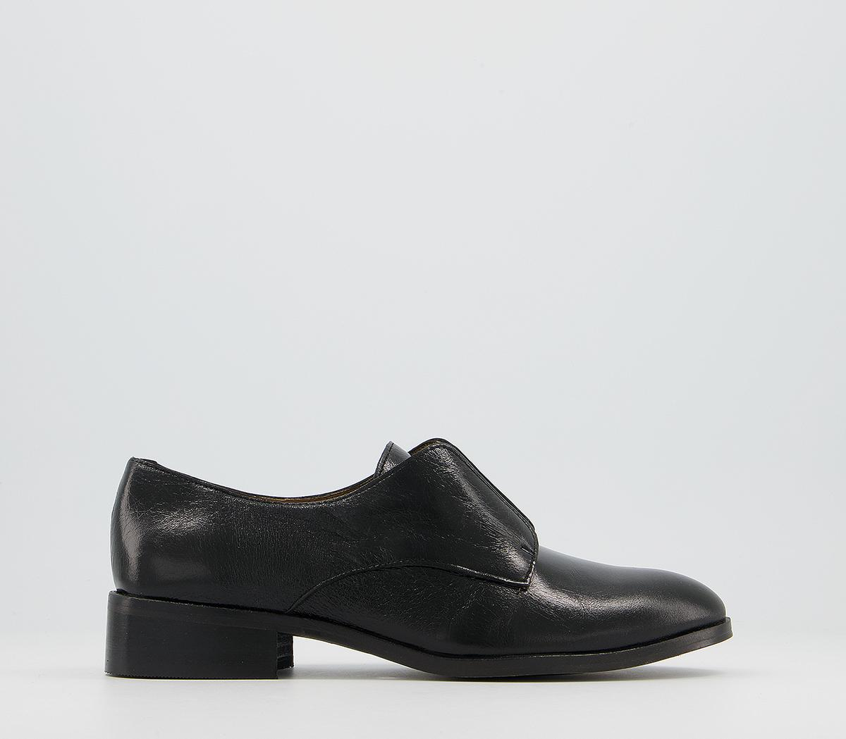 Firm Feature Slip On Flats