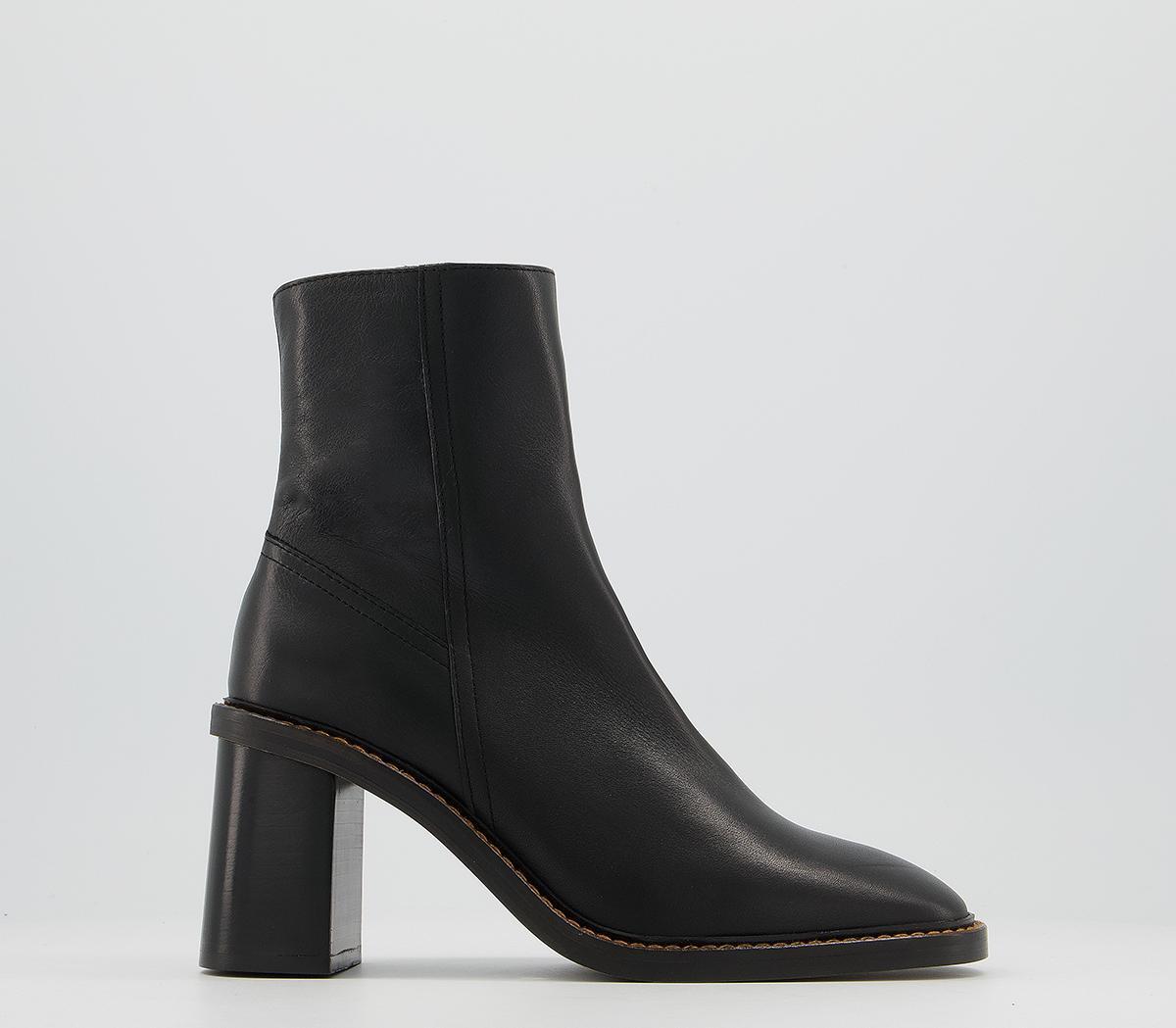 Accent Randed Block Heel Boots