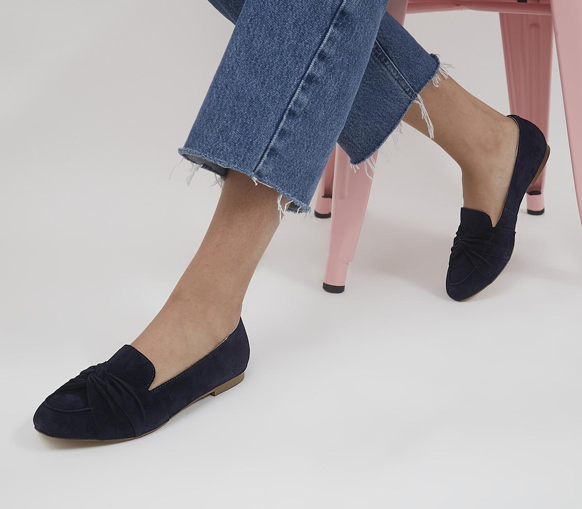 Freely Twisted Vamp Loafers