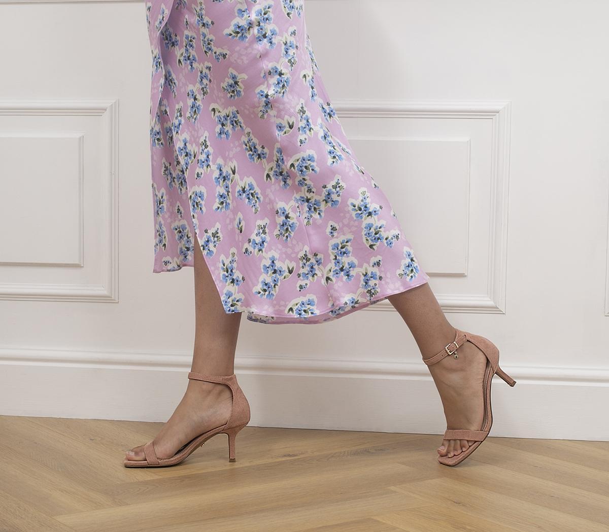 Moderate Minimal Two Part Low Stilettos