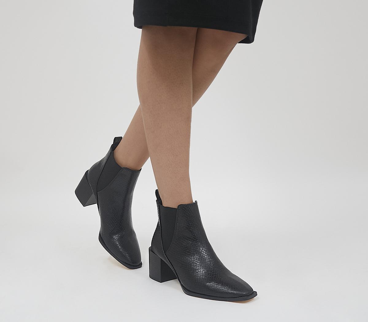 Application Heeled Chelsea Boots