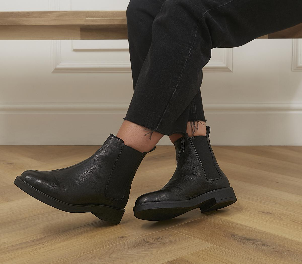 Artistry Chunky Smooth Sole Chelsea Boots