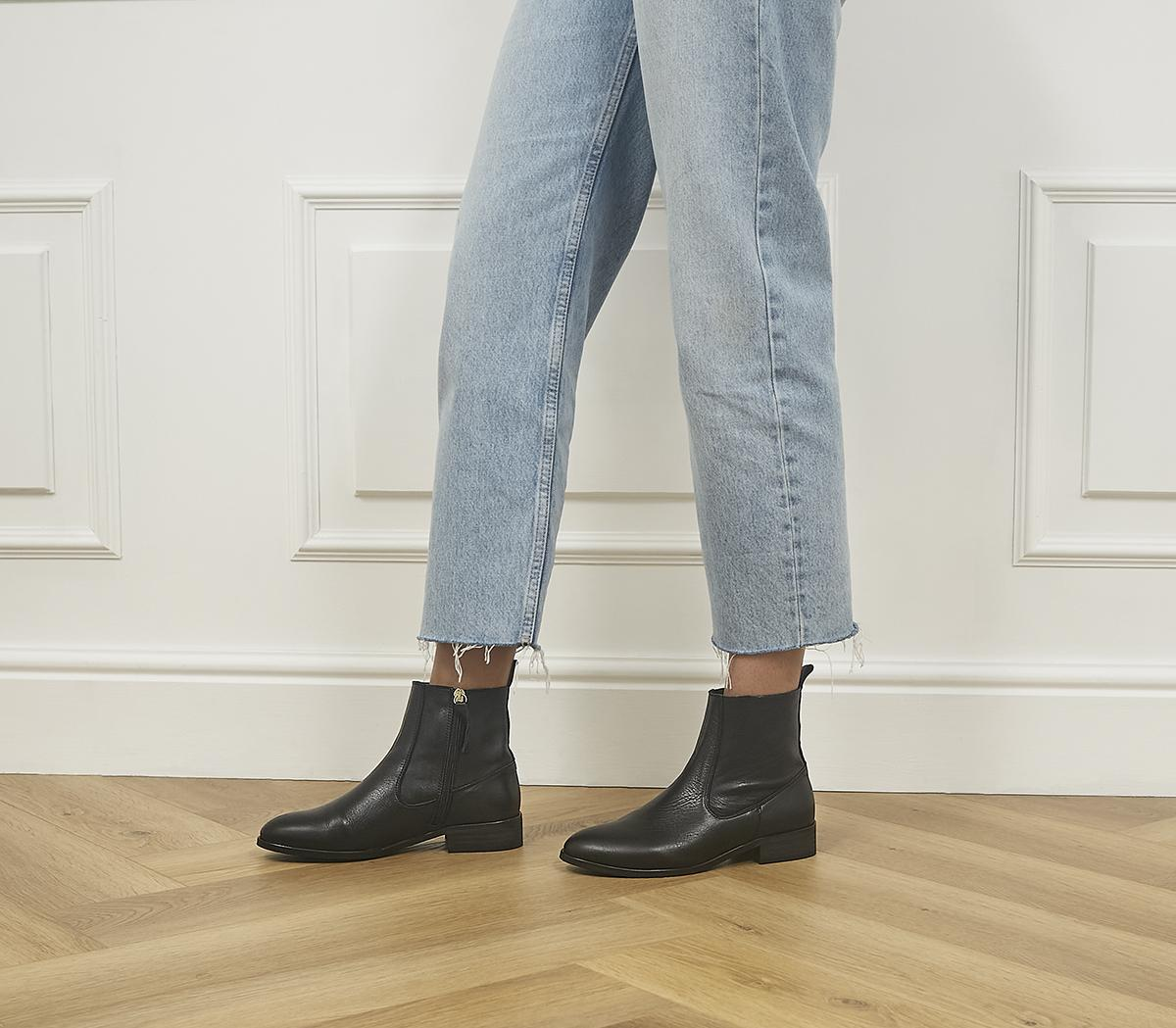 Apart Unlined Boots