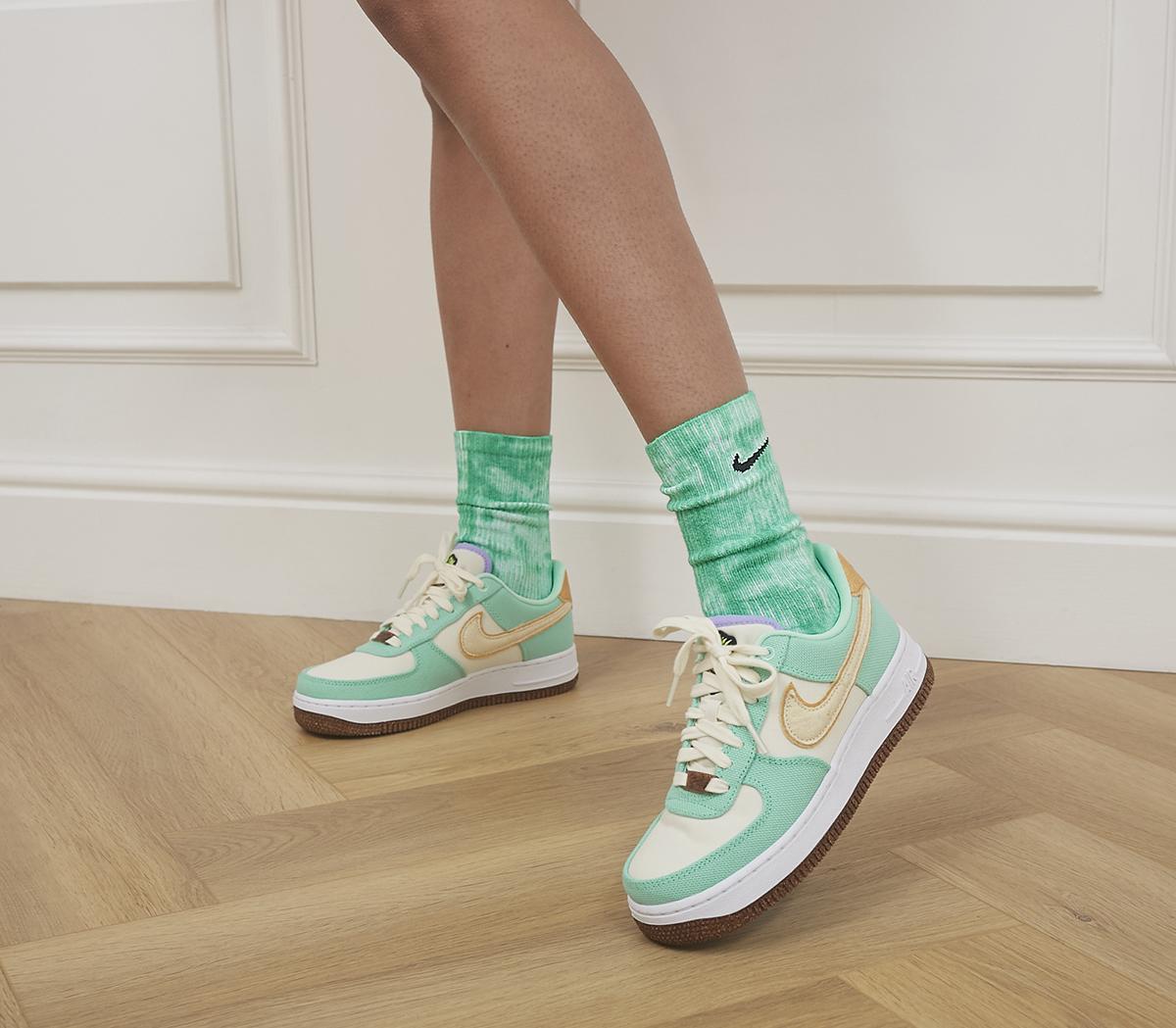 Everyday Plush Crew Tie-Dye Socks 2 Pack
