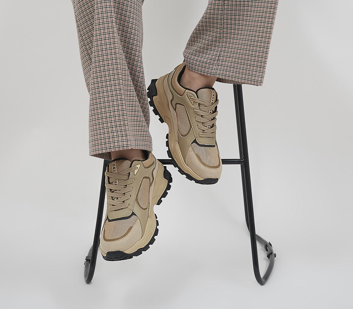 O506 Lace Up Trainers