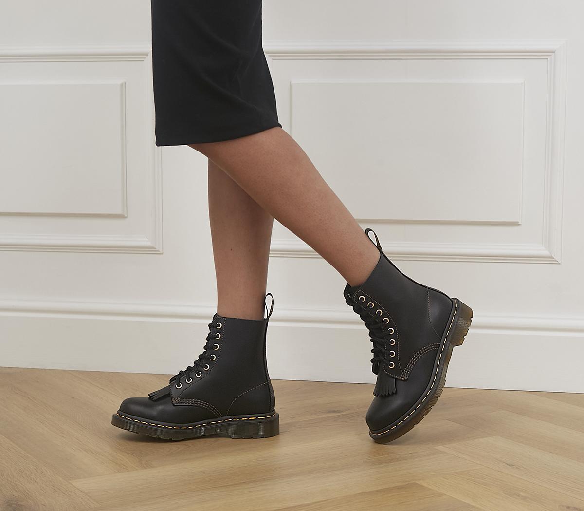 1460 Pascal Kiltie Boots