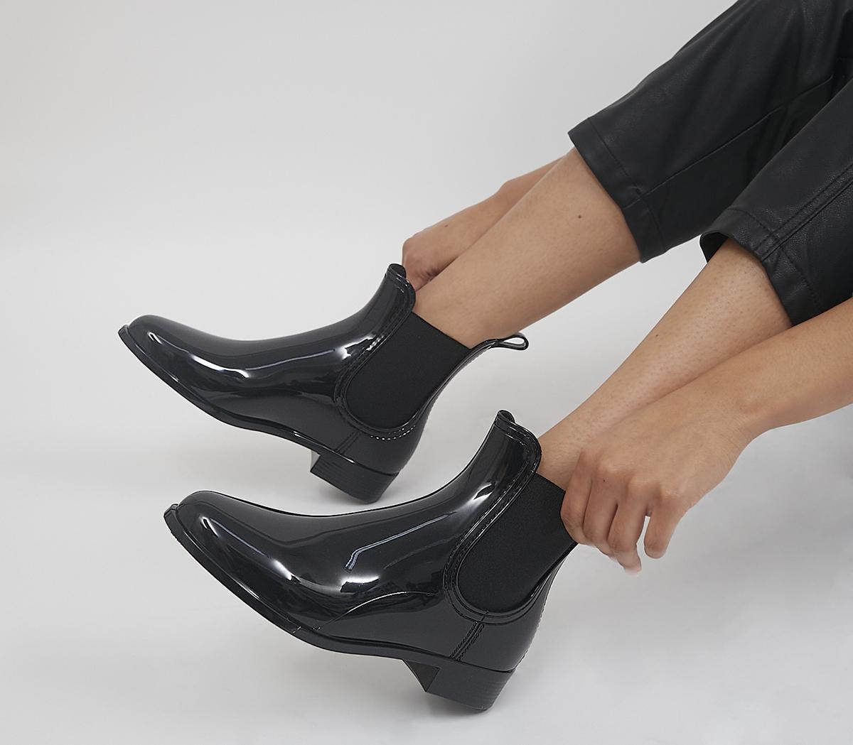 Comfy Chelsea Rainboots