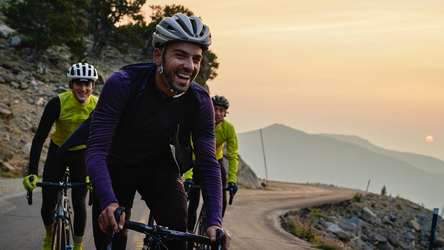 As the temperature falls and the light fades, it's harder to get out and ride. Led by our legendary merino jerseys and the redesigned Winter Tights, the Classic collection takes on the challenges of autumn and winter riding.