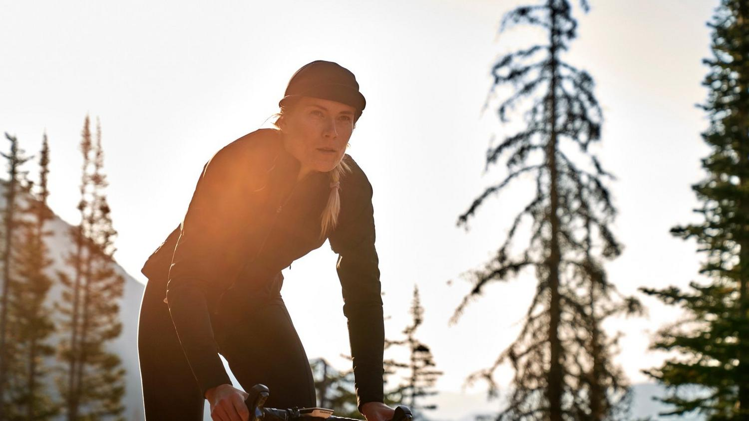 As the temperature falls and the light fades, it's harder to get out and ride. Led by our legendary merino jerseys and padded tights, the Classic collection takes on the challenges of autumn and winter riding.