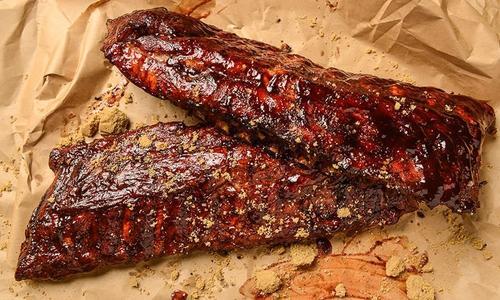Fall-off-the-bone BBQ Ribs