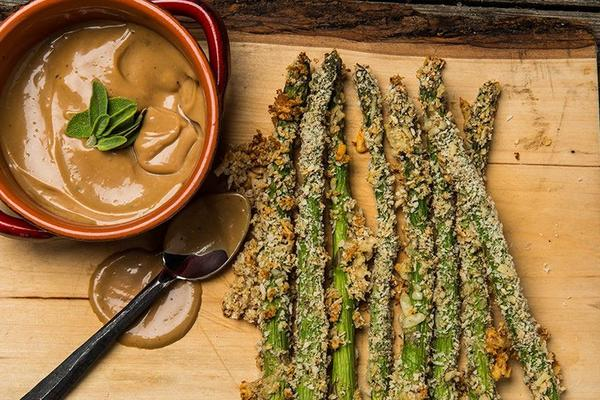 0816_Asparagus_Fries_with_Balsamic_Mayo_Sauce_RE_HE_M