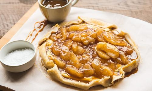 Salted Caramel Apple Cheesecake Galette