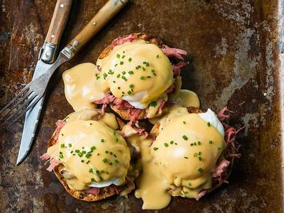Chipotle Eggs Benedicts with Pulled Pork Recipe