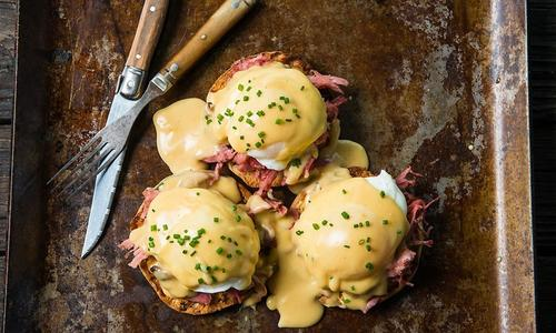 Chipotle Eggs Benedicts with Pulled Pork