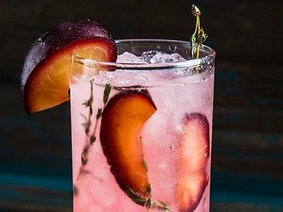 Smoked Plum and Thyme Fizz Cocktail Recipe
