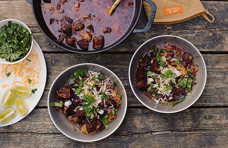 20181012_Top-Traeger-Chili-Recipes-Smokenomics-Short-Rib-Chili_BG