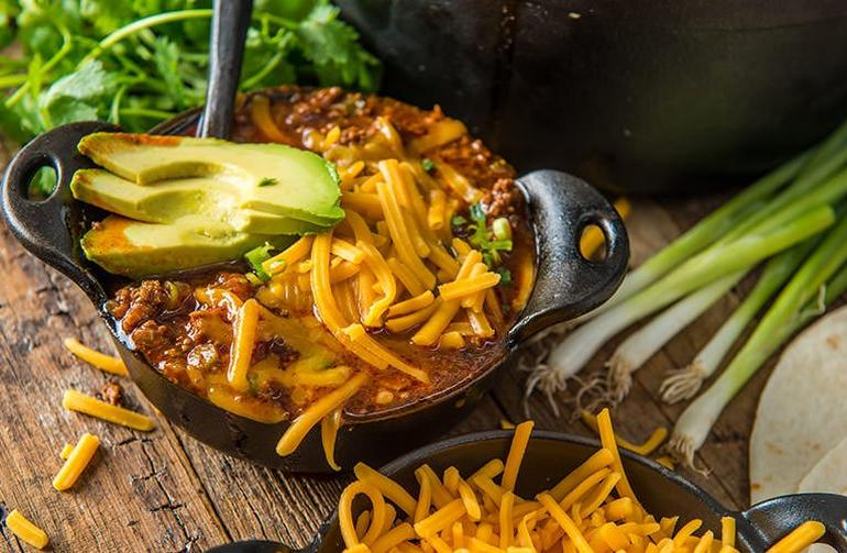 20181012_Top-Traeger-Chili-Recipes-Smokenomics-Texas-Red-Chili_BG