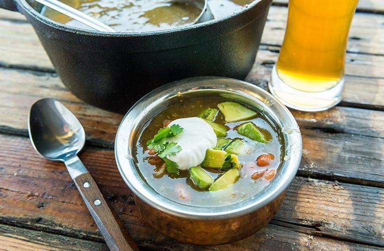 20181012_Top-Traeger-Chili-Recipes-Smokenomics-White-Chicken-Chili_BG