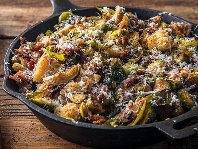 Crispy Brussels Sprouts with Bacon and Croutons Recipe