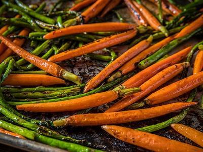 Grilled Asparagus & Honey-Glazed Carrots Recipe