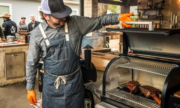 ABOUT_TRAEGER CAREERS_Traeger Pros
