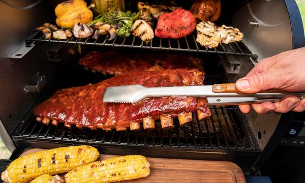 BBQ_Tongs_Lifestyle