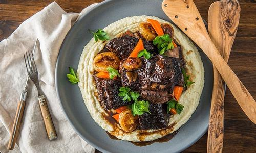 Braised Beef Short Ribs With Creamy Grits