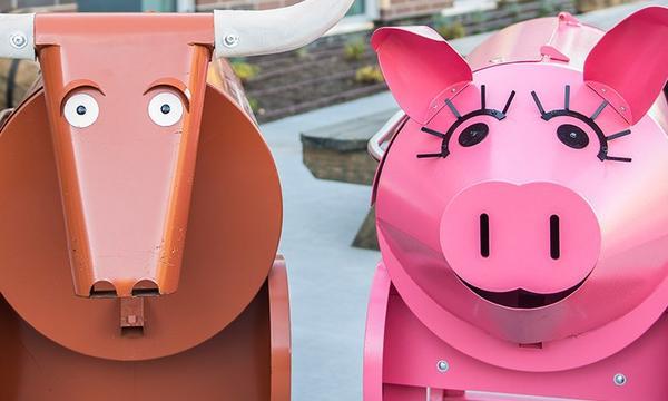 GT_Bull_and_Pig_Love_Landing_BG