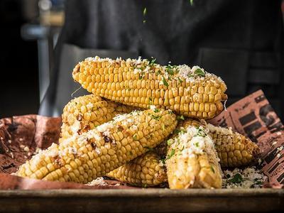 Gegrillte Maiskolben mit Parmesan und Knoblauch Recipe