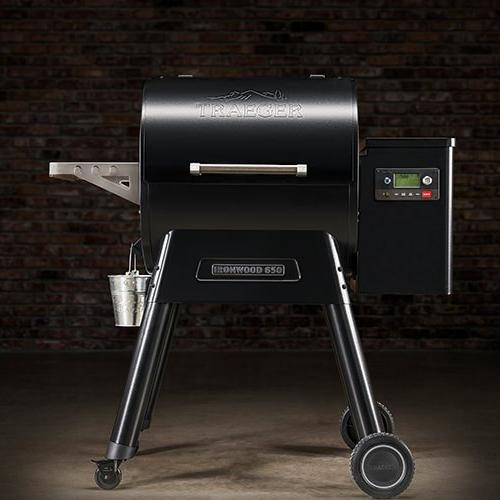 Traeger Ironwood Grill Unboxing and Assembly