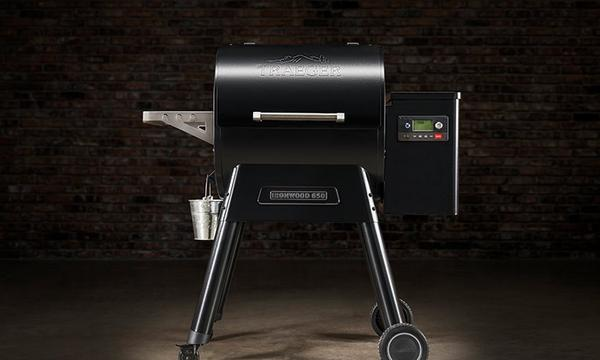 Ironwood-650-Grill-Closed-Lid