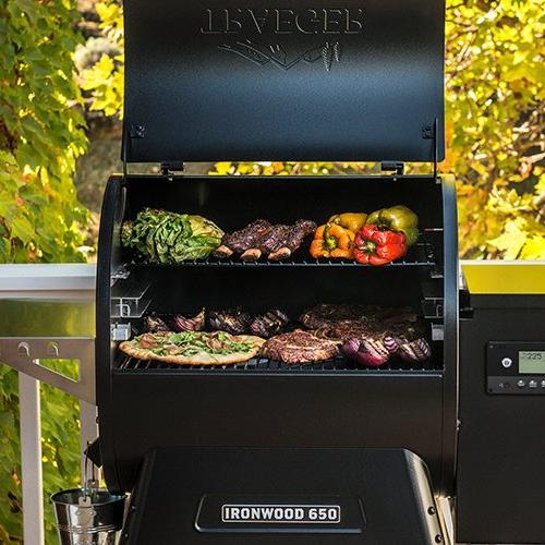 Ironwood-650-Grill-Open-Lid