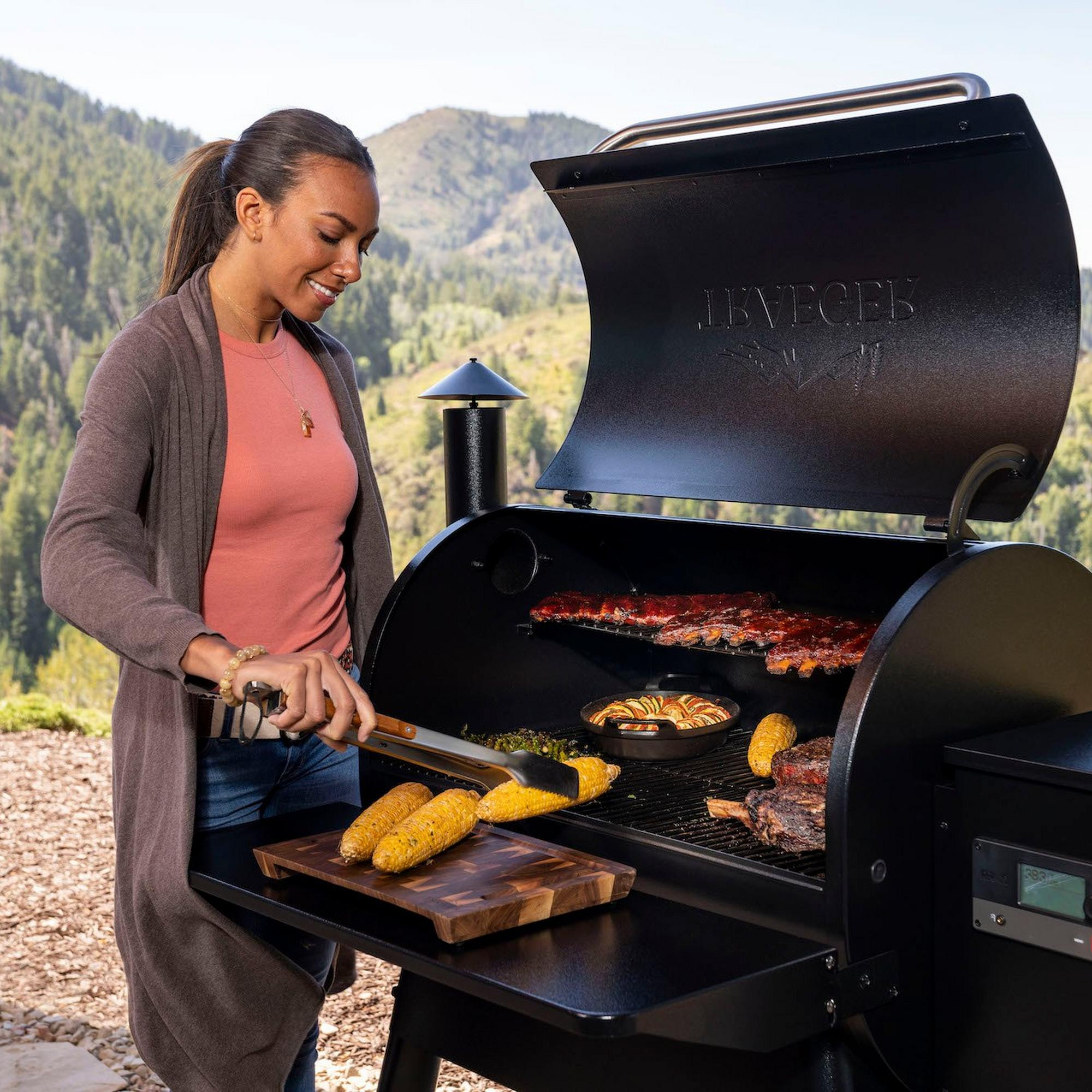 Pro_780_Grill_Series_Lifestyle
