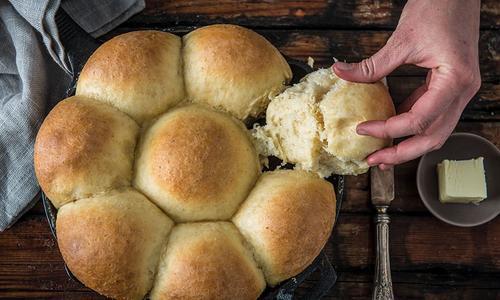 Quick Baked Dinner Rolls